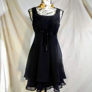 Pretty! Vintage black dress size small